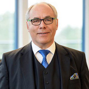 PROF. DR. TORSTEN KUNZE